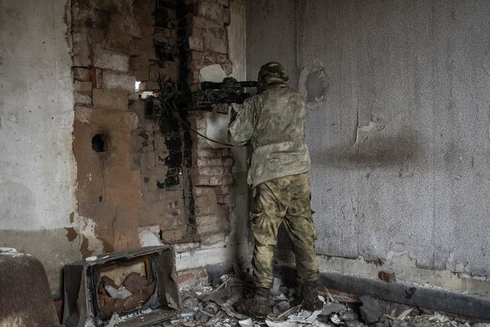 war in Ukraine sniper separatist