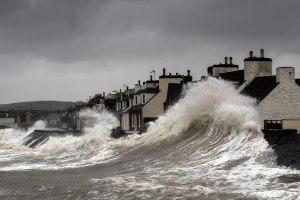 A rising tide lifts all risks