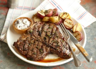 101535027-t-bone-steak-with-red-potatoes-650x465photo-by-meredith