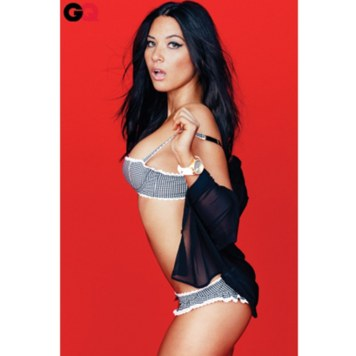 blogs-the-q-olivia-munn04-blog