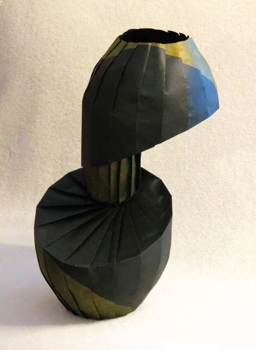 Rotated Diagonal Shift Vase