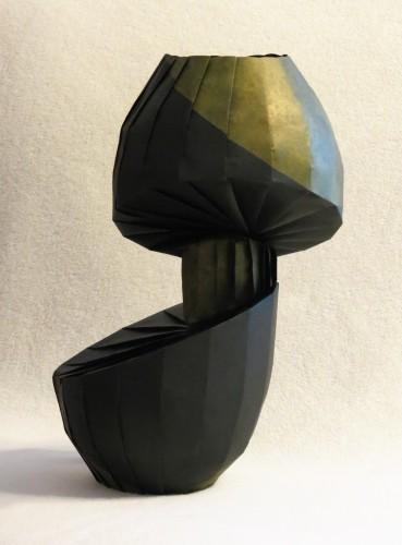 Rotated Diagonal Shift Vase (view 2)