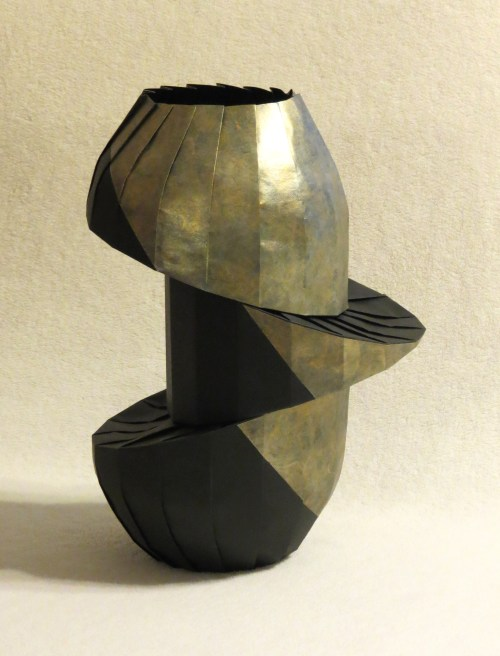 Double Diagonal Shift Vase 3