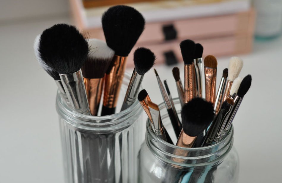 Read more about the article Pro Discounts for Makeup Artists – A Comprehensive List
