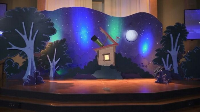Lifeway Galactic Starveyors VBS 2017 Decoration Ideas stage