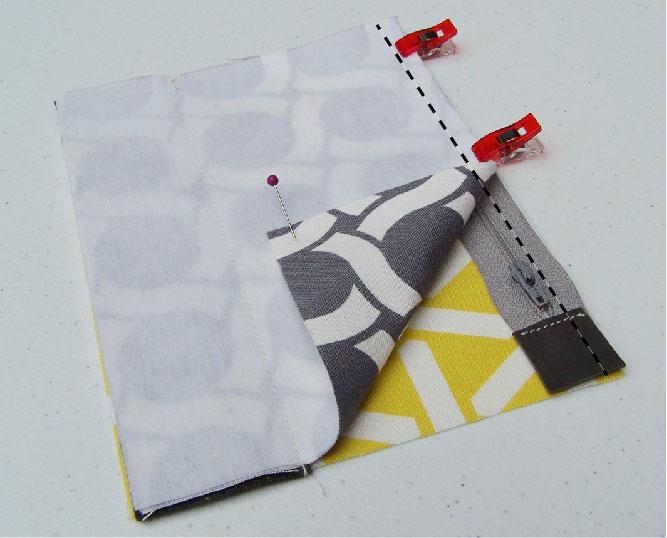 zipper pouch tutorial