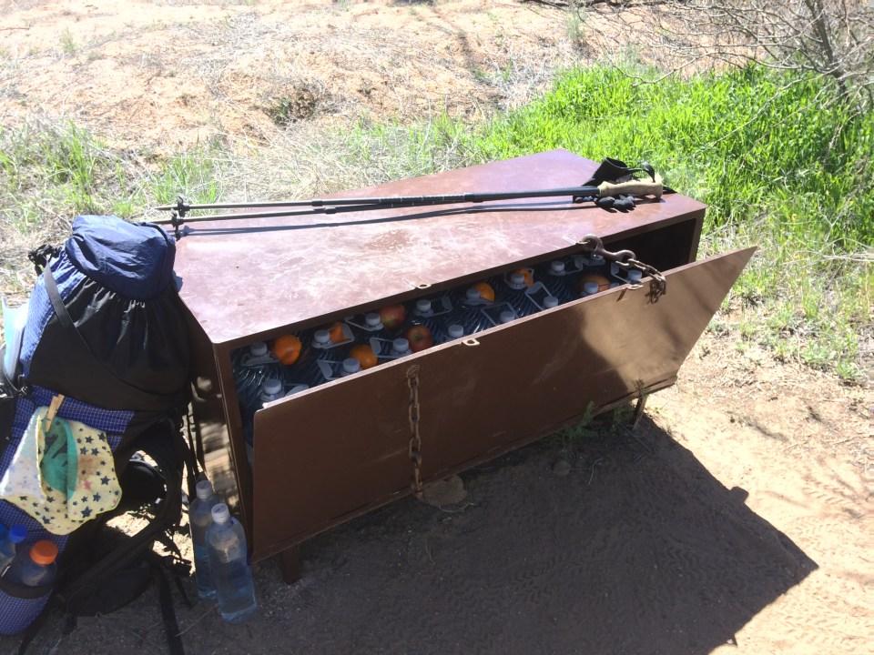 azt hiker box
