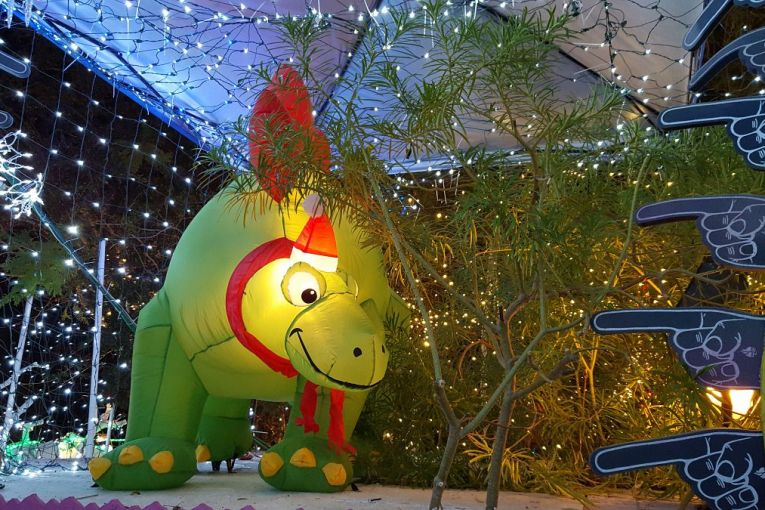 Dinosaur Christmas balloon at Robolights