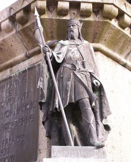 800px-robert_magnificent_statue_in_falaise