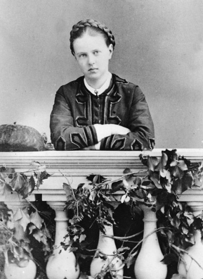 grand_duchess_maria_alexandrovna_of_russia_in_her_youth