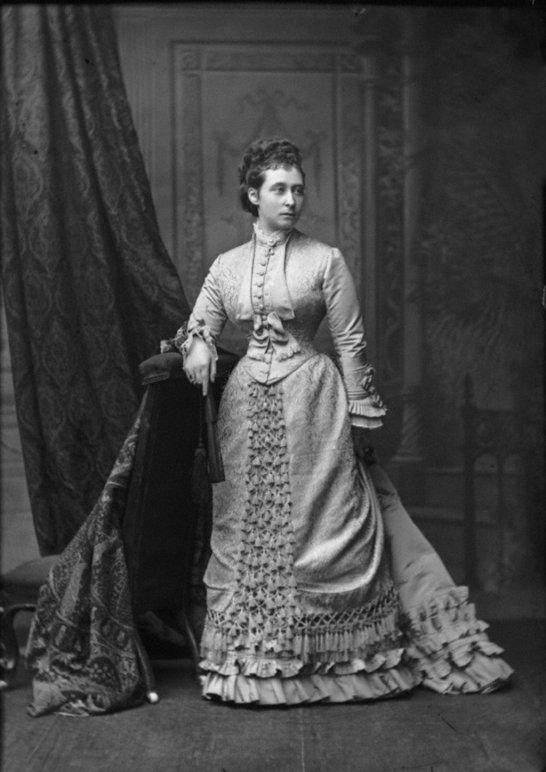 princess_alice__grand_duchess_of_hesse__1875_by_klimbims-d63t5jm.jpg