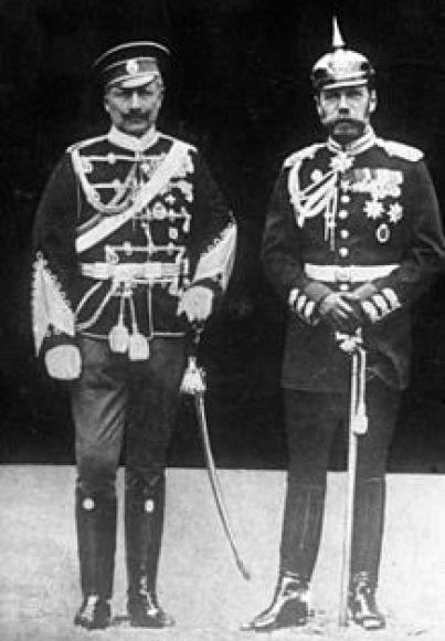 Bundesarchiv_Bild_183-R43302,_Kaiser_Wilhelm_II._und_Zar_Nikolaus_II..jpg