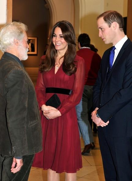 Kate+Middleton+Duchess+Cambridge+Portrait+mI71dlI4yrAl.jpg