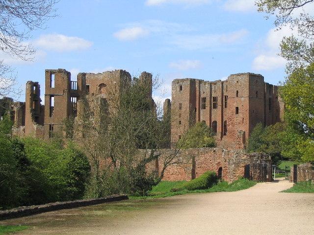 Kenilworth_Castle_-_geograph.org.uk_-_103123