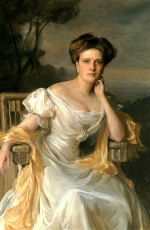 Prinzessin_Victoria_Alice_Elisabeth_Julie_Marie_von_Battenberg,_1907