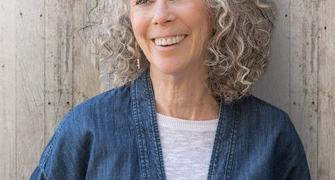 2020 Debut Book Feature and Author Interview: Barbara Linn Probst, Queen of the Owls