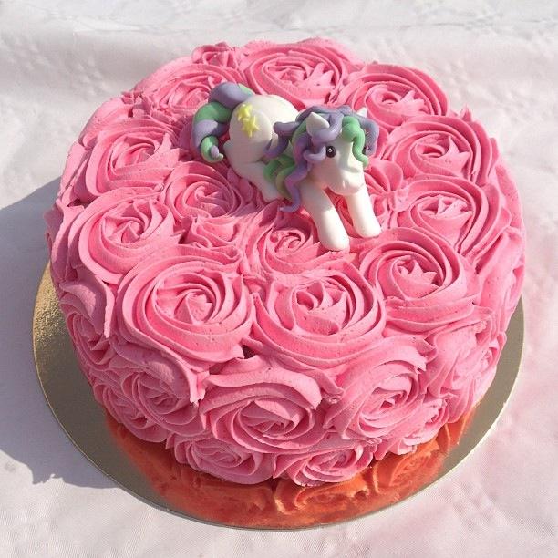 Födelsedagstårtor & Cupcakes Till Elina (1/3)