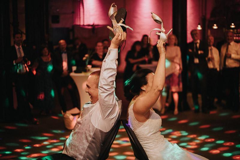 bröllop-stockholm-kyrkligvigsel-bröllopsporträtt-bröllopsfest-skyddsrummet-001-81