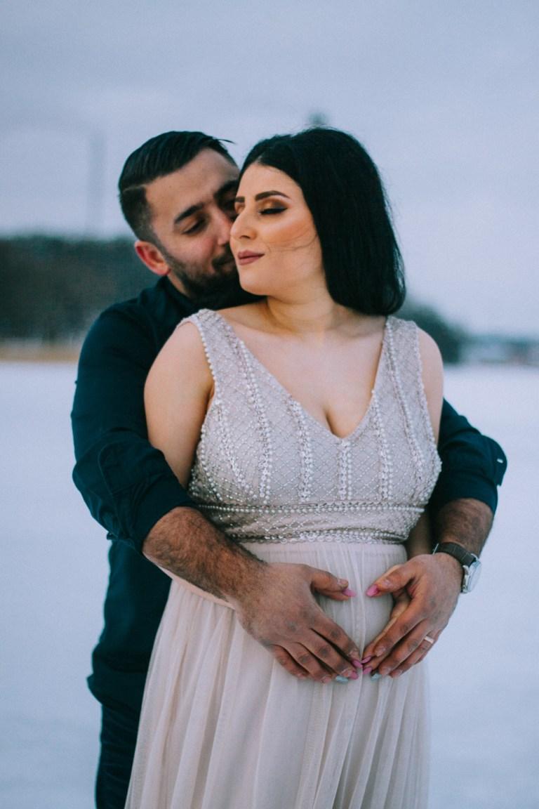 gravidfotografering, rebecka thorell photo, fotograf enköping, jordnära fotograf, vinterfotografering
