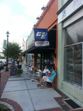 Community support and outdoor dining are big attractions.