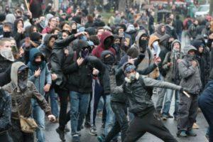 Vive le feu ! Histoire et actualité de la mouvance autonome en France