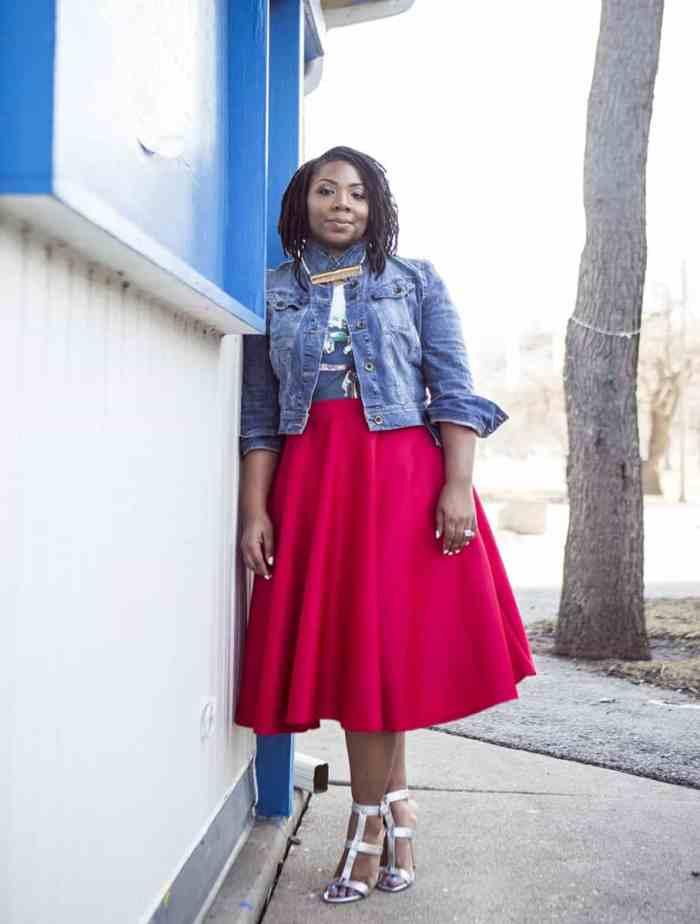 Curvy blogger Nikia of Chitown Fashionista