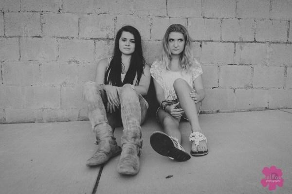mikelllouise_best friends-2
