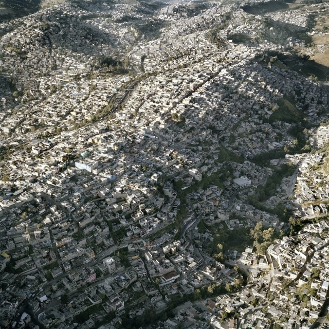 mexico-city-sprawl-2013