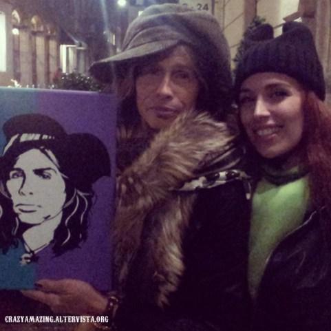 steven con il mio quadro fuori dal suo hotel