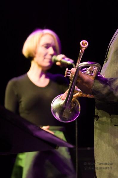 Emily Saunders live in London - Photo copyright by Oscar Tornincasa for rebelrebelmusic.com