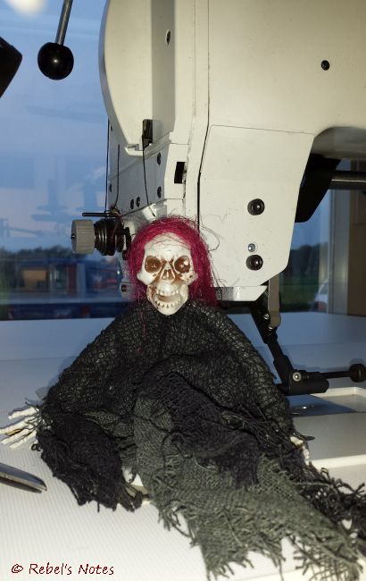 20141115-035wm Skelly sewing machine