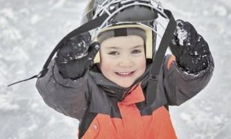 Во сколько лет отдавать ребенка в хоккей?