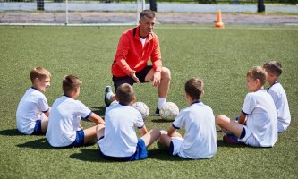 Дети и тренер