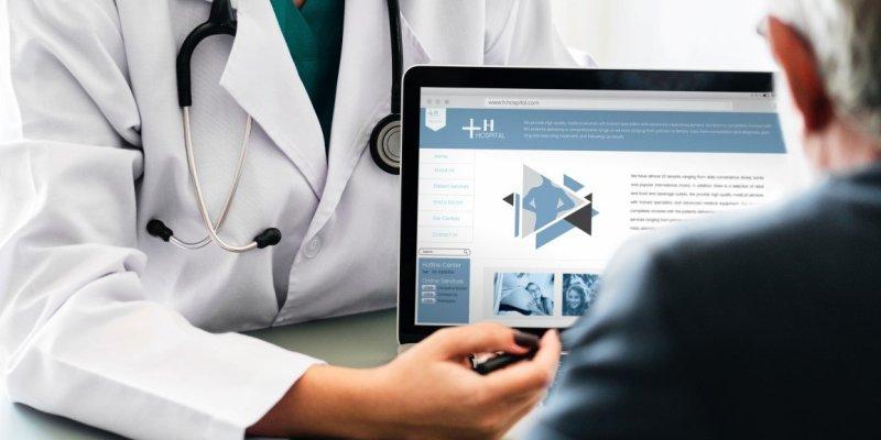 借方備份HIPAA合規性和Phi-Web