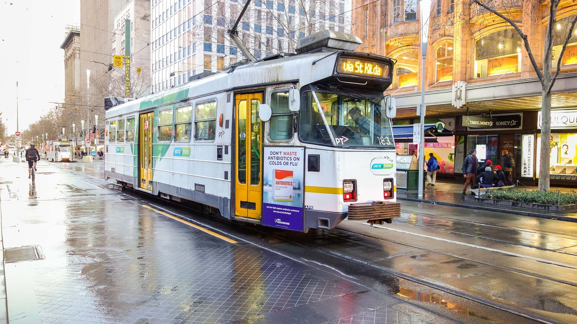 Catch a combination of buses, trams and trains to your physiotherapy, myotherapy, massage of pilates appointment near me in Melbourne, Fitzroy and Clifton Hill