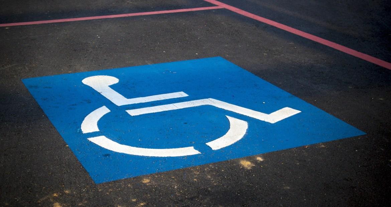condenado-un-hombre-a-un-anho-de-carcel-y-1620-euros-de-multa-por-aparcar-en-una-plaza-de-discapacitado-1920
