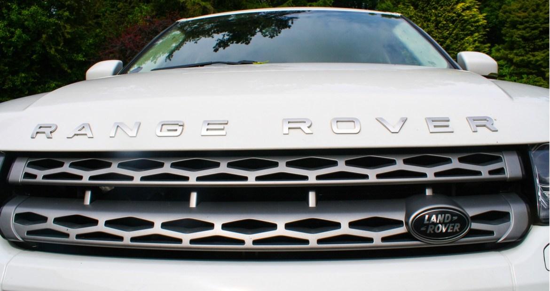 no-te-podras-resistir-al-range-rover-evoque-mhev-1920