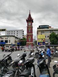 La torre del reloj de la ciudad