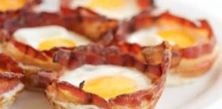 Receita de Ovos No Copo de Bacon