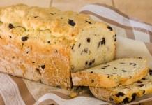 Receita de Pão de Alho com Azeitonas