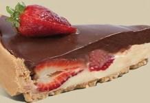 Receita de Torta de morango com cobertura de chocolate