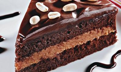 receita-bolo-de-amendoim-com-pacoca-e-chocolate