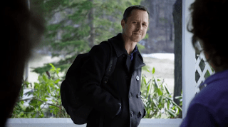 http://www.recenserie.com/2015/08/sneaky-pete-1x01-pilot.html