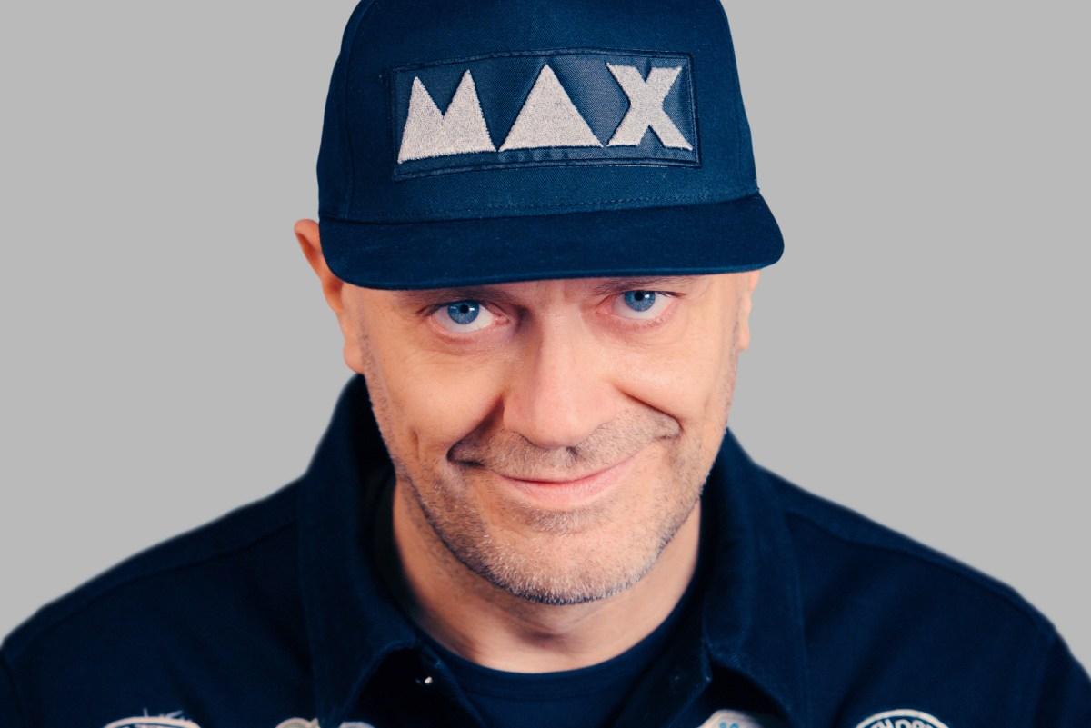 """Max Pezzali: in radio """"Un'estate ci salverà"""" - Testo"""