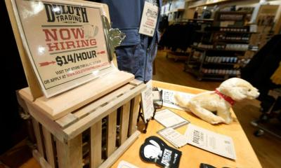 U.S. unemployment claims fall to lowest level since pandemic