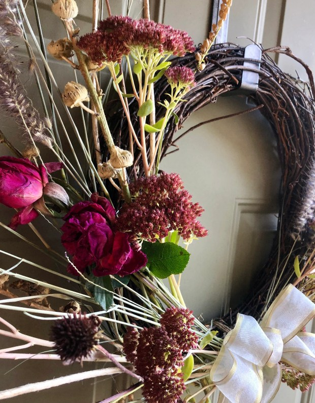 1635251576 14 Cherish autumn by bringing the outdoors in for your arrangements