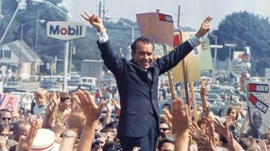 Image result for Trump und Nixon: Das Establishment gibt, das Establishment nimmt