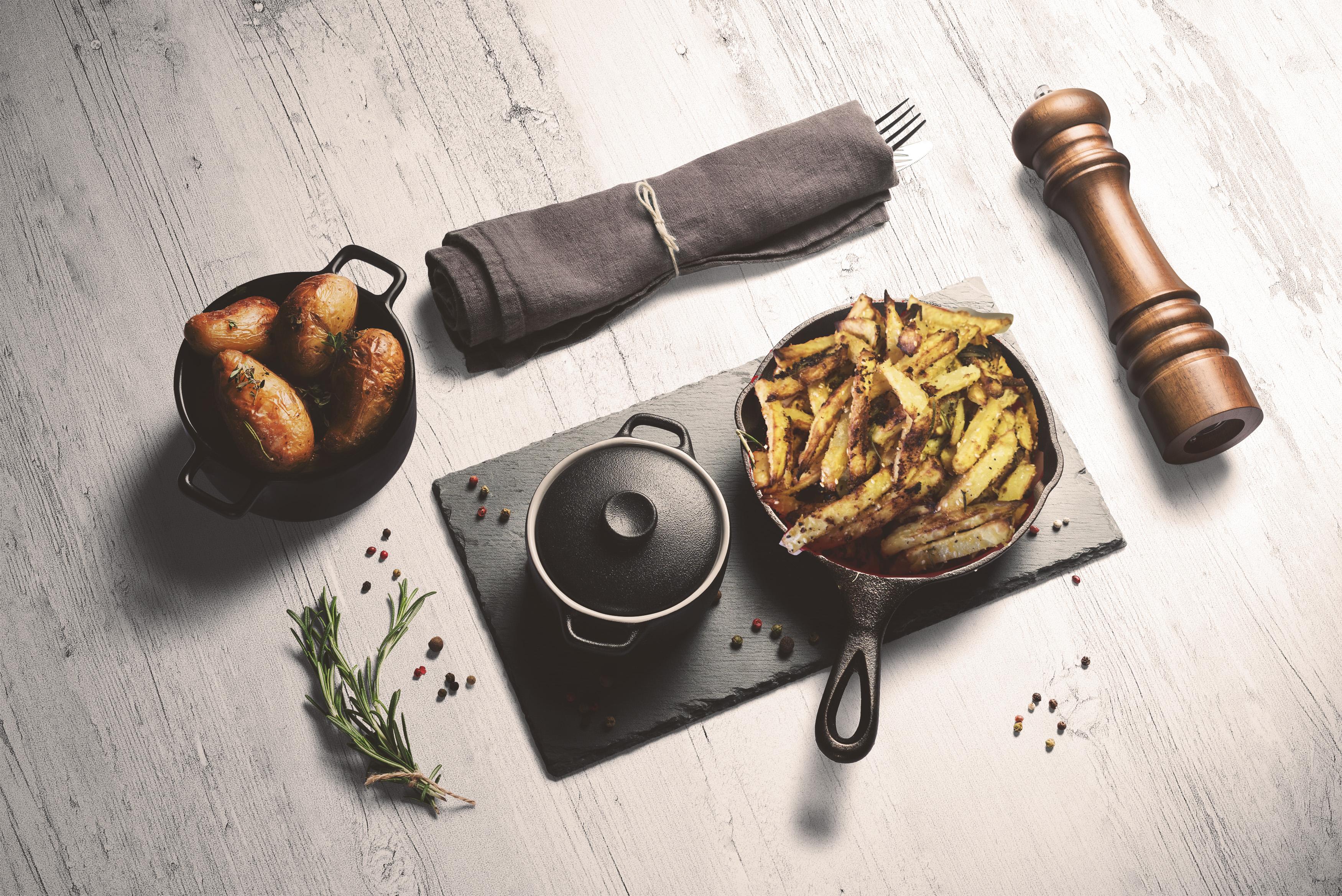 Montenegrói tepsis sült krumpli