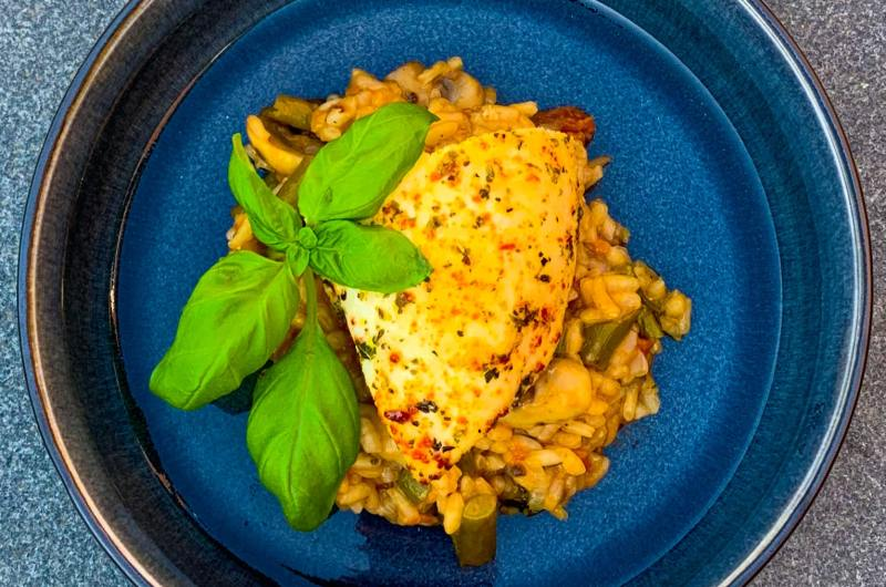 Tomatenrisotto met Italiaanse pittige kip