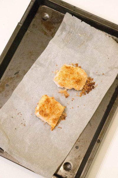 zalm in krokant parmezaan jasje - buzz in the kitchen recept